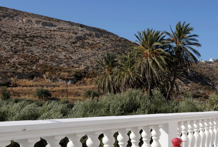 Adamas Boutique Apartment| 100 meters to the beach