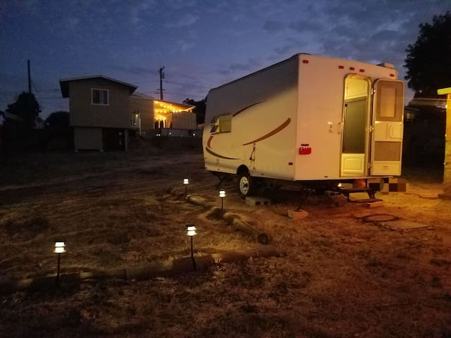 Comfy Camper on large gated yard in Woodcrest area