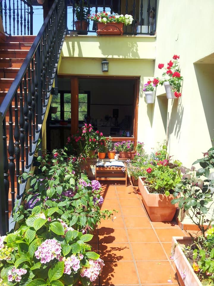 Habitación  Miengo Cantabria.Entrada independiente