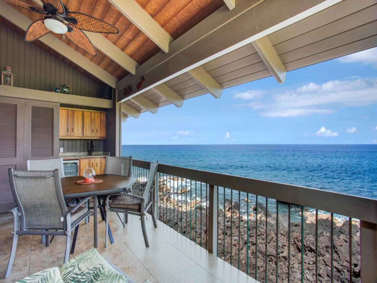 Pacific Edge Bliss+Island Style! Luxe Kitchen+Bath, Lanai, WiFi ...
