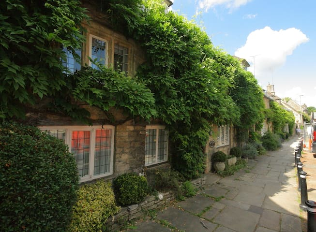 Providence House, Burford. Absolutely stunning!