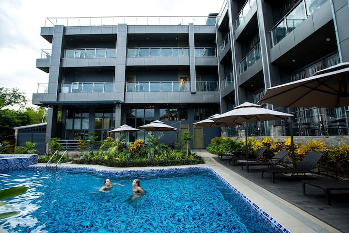 Twin Bed Vienna Hotel w/ Buffet Breakfast for two