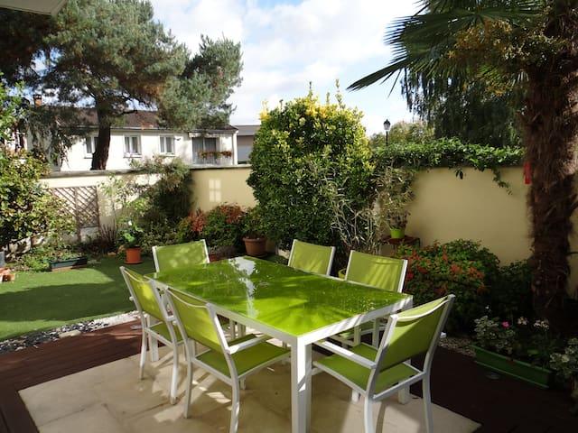 Appartement-Terrasse SERRIS DISNEY