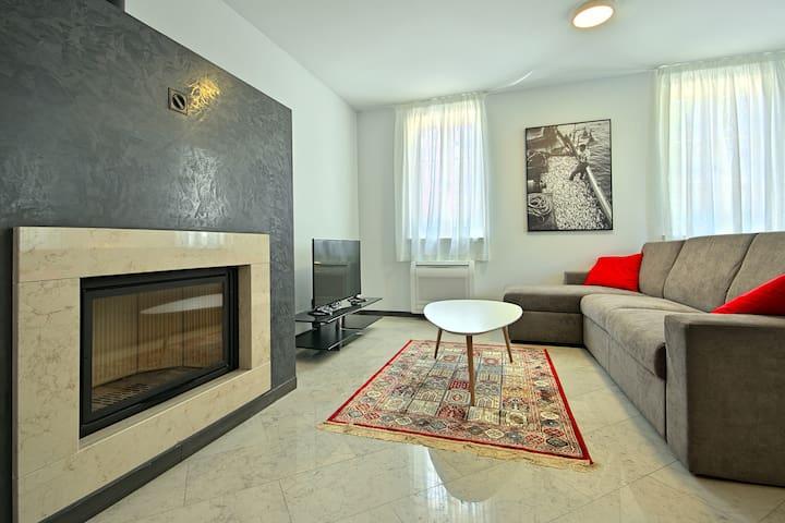 Modern apartment Berli 2