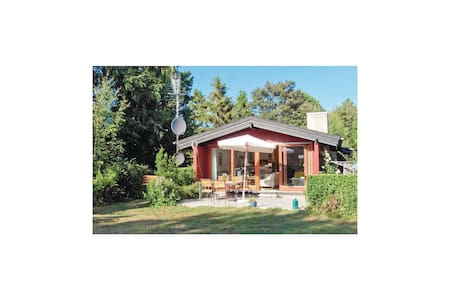 Holiday cottage with 2 bedrooms on 65m² in Vejby
