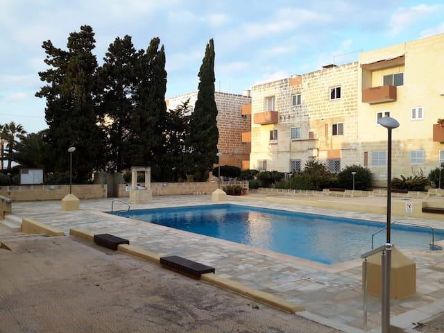 Flat 2, Pool Residence