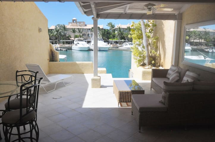 Private Villa in Port St. Charles Marina - Speightstown - Rumah bandar
