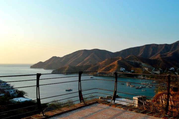 Beach House Ocean View + POOL in Taganga - Santa Marta-Taganga