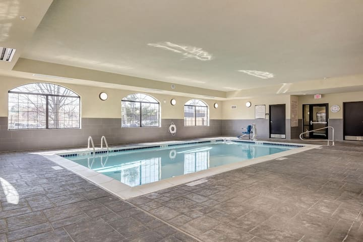Great for Business Travelers! Fitness Center On-Site + Shared BBQ Area
