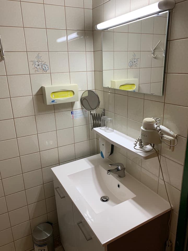 Arkadenhof Z-26 (1 Person, Einzelbett)