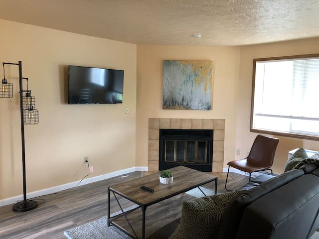 Spokane Valley Newly Remodeled 2 BR Apt