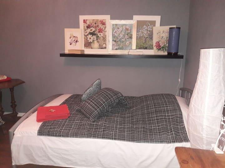 Gemütliches kleines Zimmer mit guter Verbindung