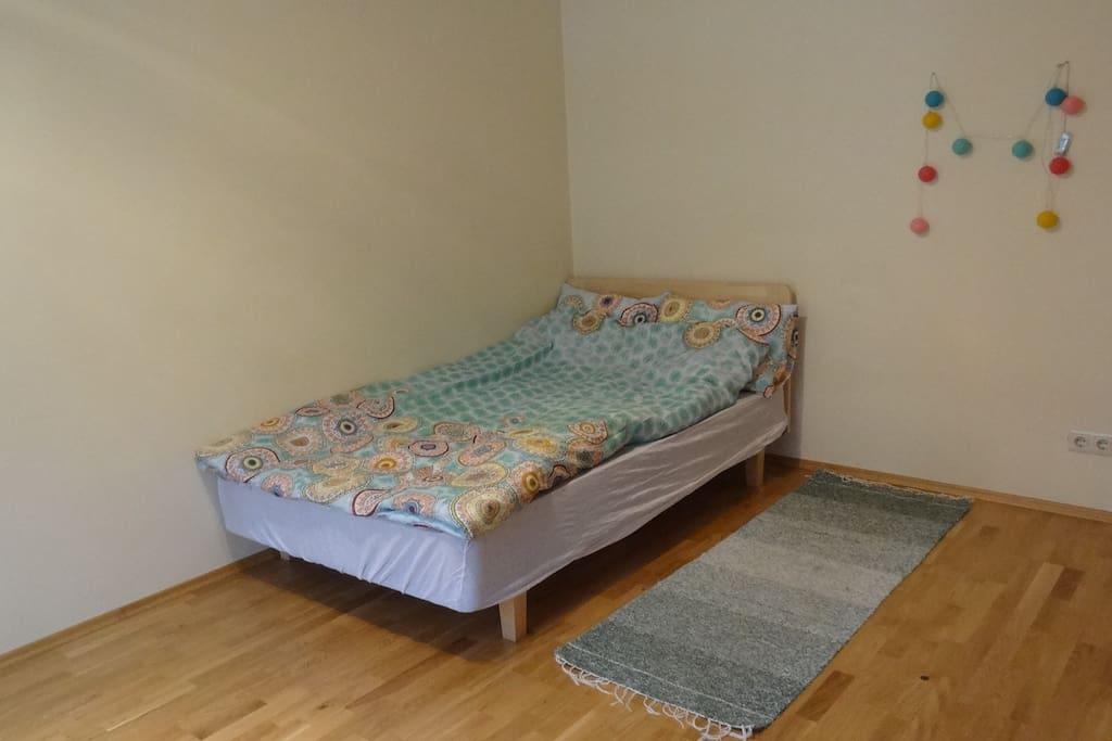 Bed 120 x 200 cm