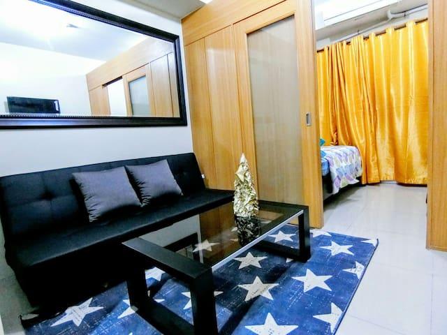 SHELL RES 8F: Tropical Condo in MOA, WiFi, Balcony - Pasay City - Condo