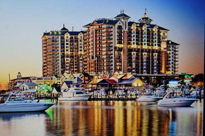 Emerald Grande Resort at Destin 3 bedroom deluxe