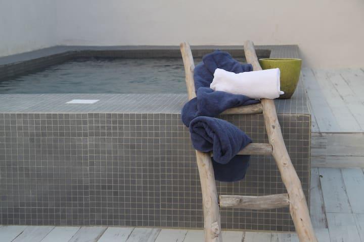 maison 6 et sa piscine dans calvi