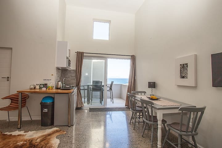 New flat with ocean view and two outdoor areas