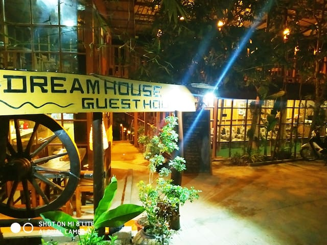 Dream House Guest House & Restaurant 4