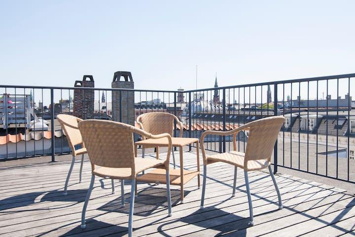 3BR City Penthouse w. Roof Terrace - Copenhague - Apartamento