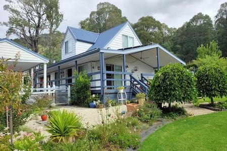 Falls Cottage Marysville - you'll fall in love :)