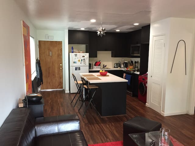 1 bedroom apartment Near Ashby BART station