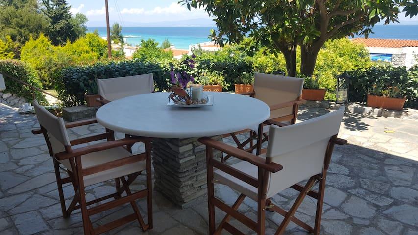 Gorgeous beachfront home