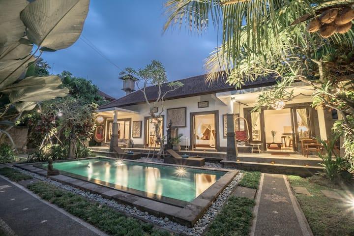 Zen Gateway with pool and garden 2