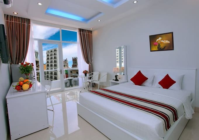 Deluxe Balcony Room near Nha Trang beach & Central