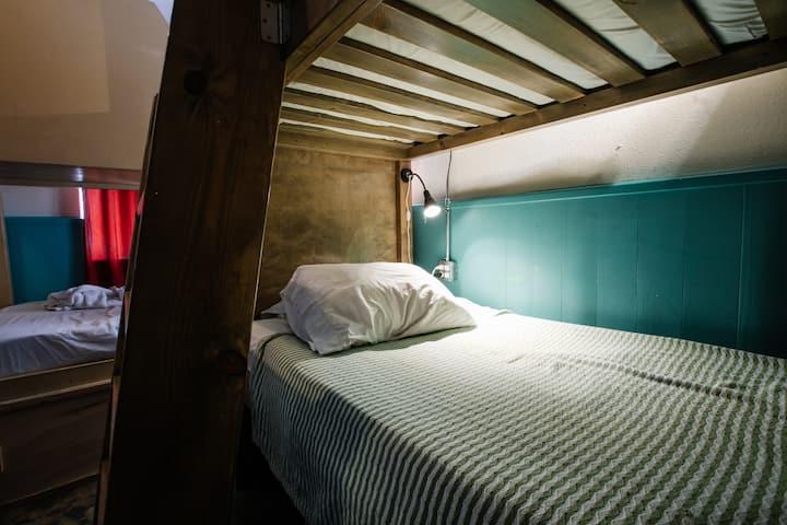 Firehouse Hostel - Female Dorm