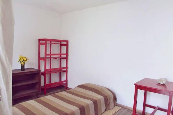 Habitación Individual en Casa Cultural