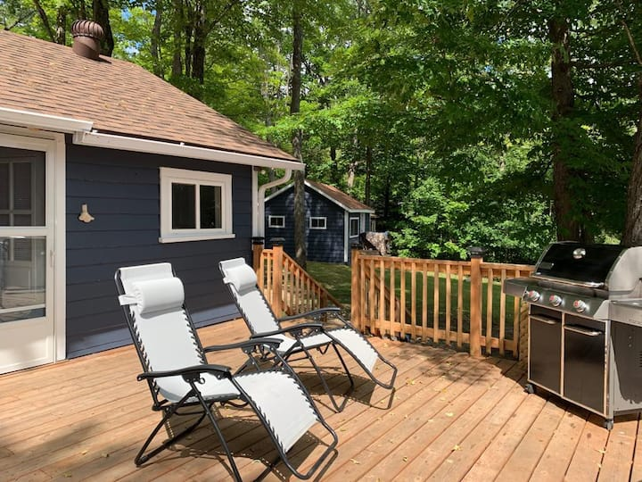 Private Serene Waterfront Cottage fits 2 families