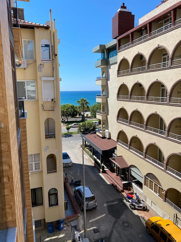 New apt in the cntr of Alanya, 30 mt from the sea
