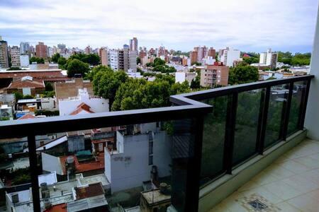 Cómodo y luminoso depto en zona centro de Rosario.