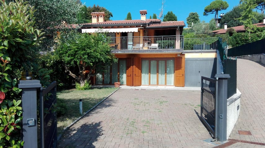 Villa with view on the lake - Padenghe sul Garda - House