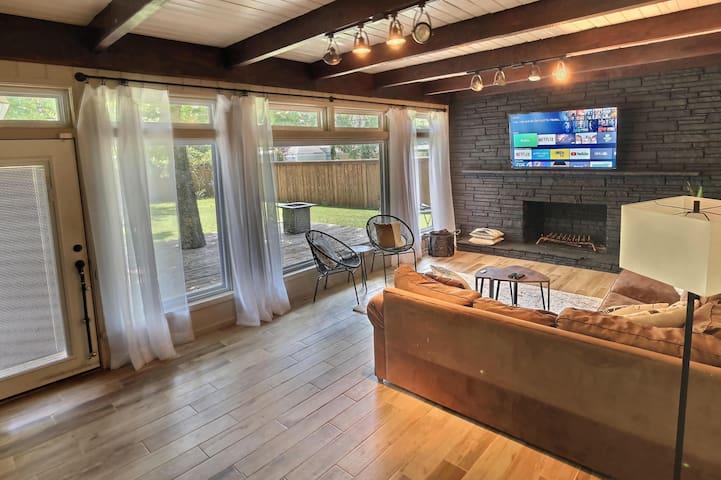 Centrally Located Home w/Private Backyard&Sunroom