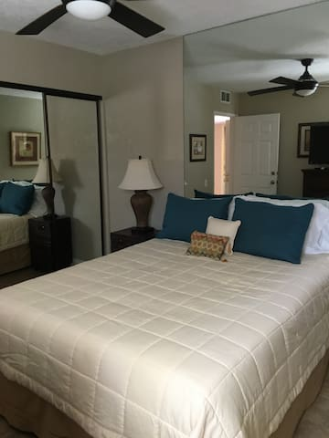 This condo has 2 bedrooms, this bed is a Queen size, lots of closet space. we have lots of  sheets and blankets