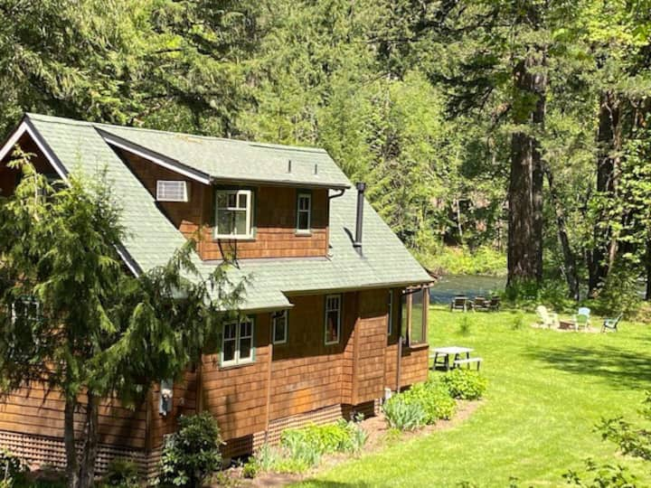 Riverfront Bliss at the Ouzel Nest Cabin