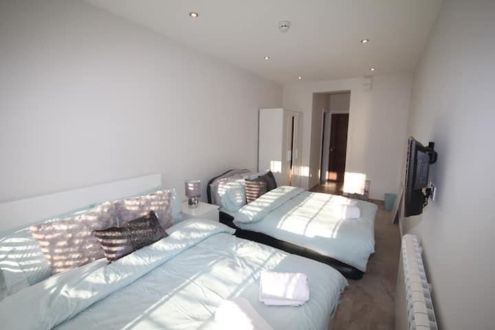Wembley Homes - En Suite Room 2