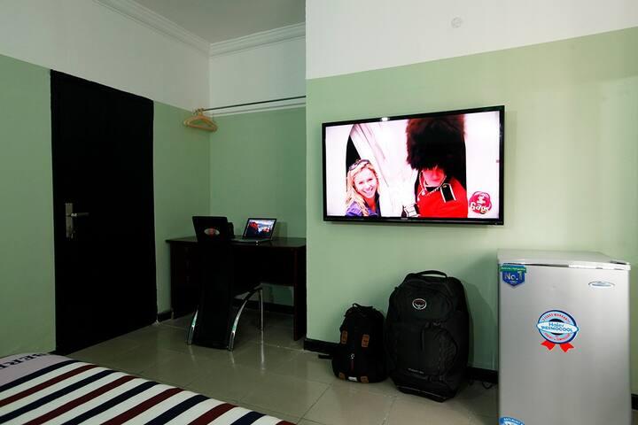 Obanikoro Megabyte Room. Lagos