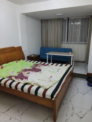 杭州一号线云水地铁站步行10分钟以内,房间干净卫生