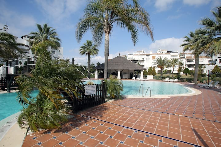Cosy Beachfront Flat with Terrace - Marbella - Apartamento