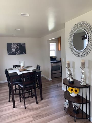bd furniture and decor.htm airbnb   seatac vacation rentals   places to stay washington  airbnb   seatac vacation rentals