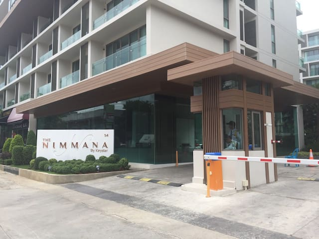 Modern Lanna style at Nimman with Mt. Suthep view - Chiang Mai - Condominium