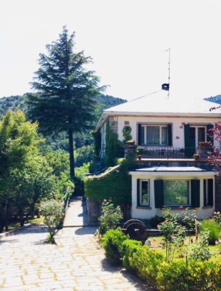 casa 6/14 personas gran jardín en plena naturaleza