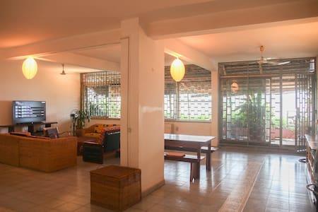 Appartement spacieux sur le fleuve Oubangui