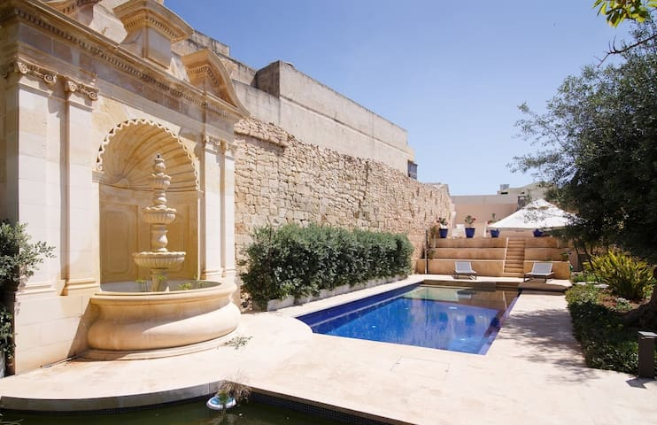 Beautiful 1 bedroom house with pool and garden - Ħal Balzan - House