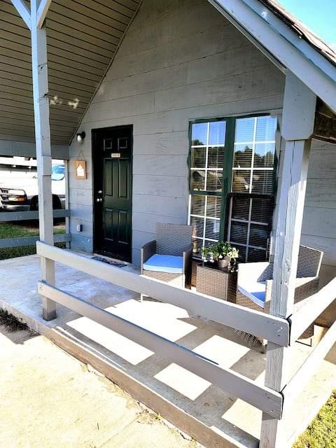 Lakefront Cabin in Tiny Home community