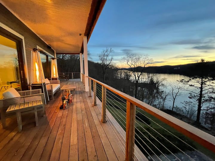 Candlewood Lake Home - Amazing Views, Water Access