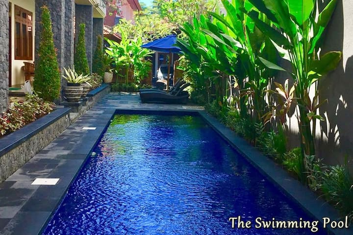 Home stay with Pool, near Beach, in Center Sanur