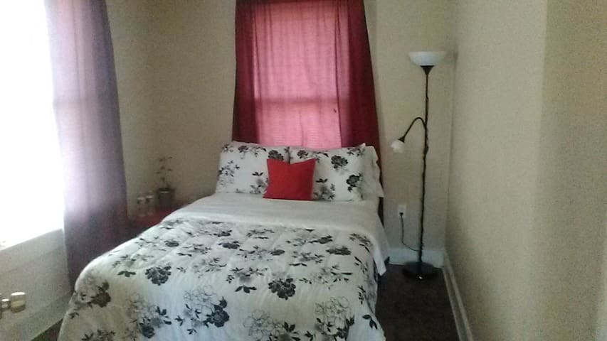 Bedroom with private bathroom - Galveston - Lejlighed
